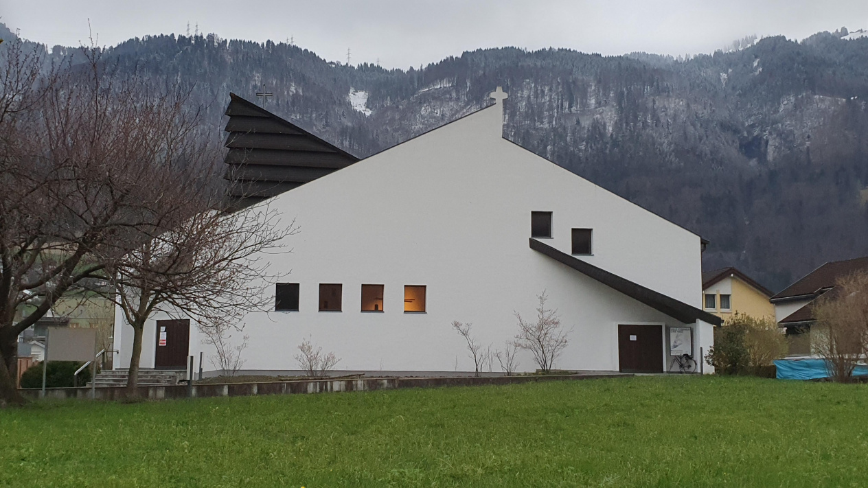 Kirche Mollis<div class='url' style='display:none;'>/</div><div class='dom' style='display:none;'>pfarrei-naefels.ch/</div><div class='aid' style='display:none;'>3</div><div class='bid' style='display:none;'>35</div><div class='usr' style='display:none;'>2</div>